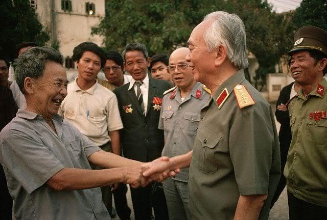 Những bức ảnh quý giá về Đại tướng Võ Nguyên Giáp