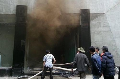 Chùm ảnh: Cháy khu ăn chơi Zone 9 ở Hà Nội