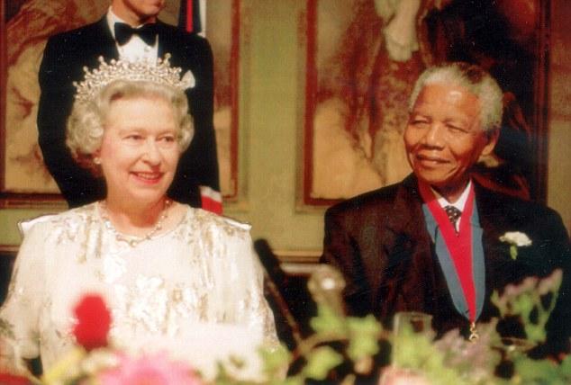 Nelson Mandela và các chính khách quốc tế