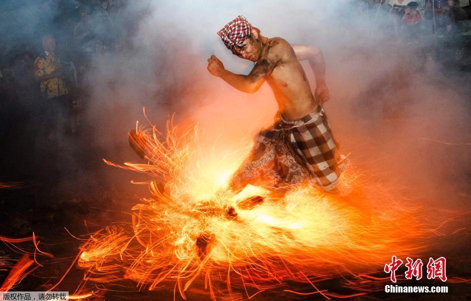 Những bức ảnh đẹp nhất năm 2013 của hãng tin Reuters