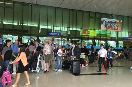 """Muốn """"giải cứu"""" sân bay Tân Sơn Nhất cần hơn 19.000 tỷ đồng"""