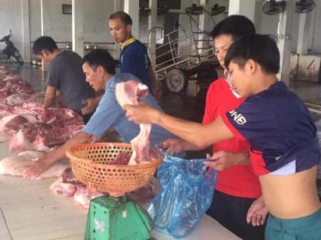 """Sự thật thông tin """"ép"""" giáo viên mua 10 kg thịt lợn/tháng"""