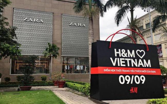 Sau kỉ nguyên chỉ gia công xuất khẩu cho các đại gia thời trang, nay hàng hiệu thế giới đổ xô vào Việt Nam bán hàng