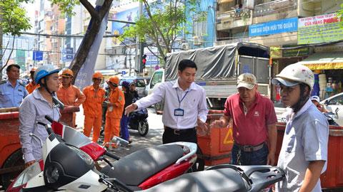 """Buộc thôi việc Phó Chủ tịch phường ở quận 1 (TP HCM) """"mất tích"""""""