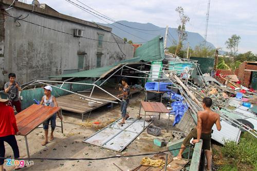 Chính phủ hỗ trợ gạo cho người dân bị thiệt hại do bão số 10