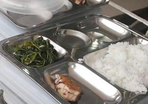Sự thật thông tin bữa ăn 19.000 đồng của trẻ tiểu học chỉ có miếng cá nhỏ và rau xào