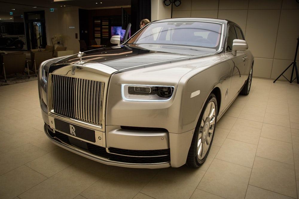 """Rolls-Royce đạt doanh số """"khủng"""" trong năm 2017"""