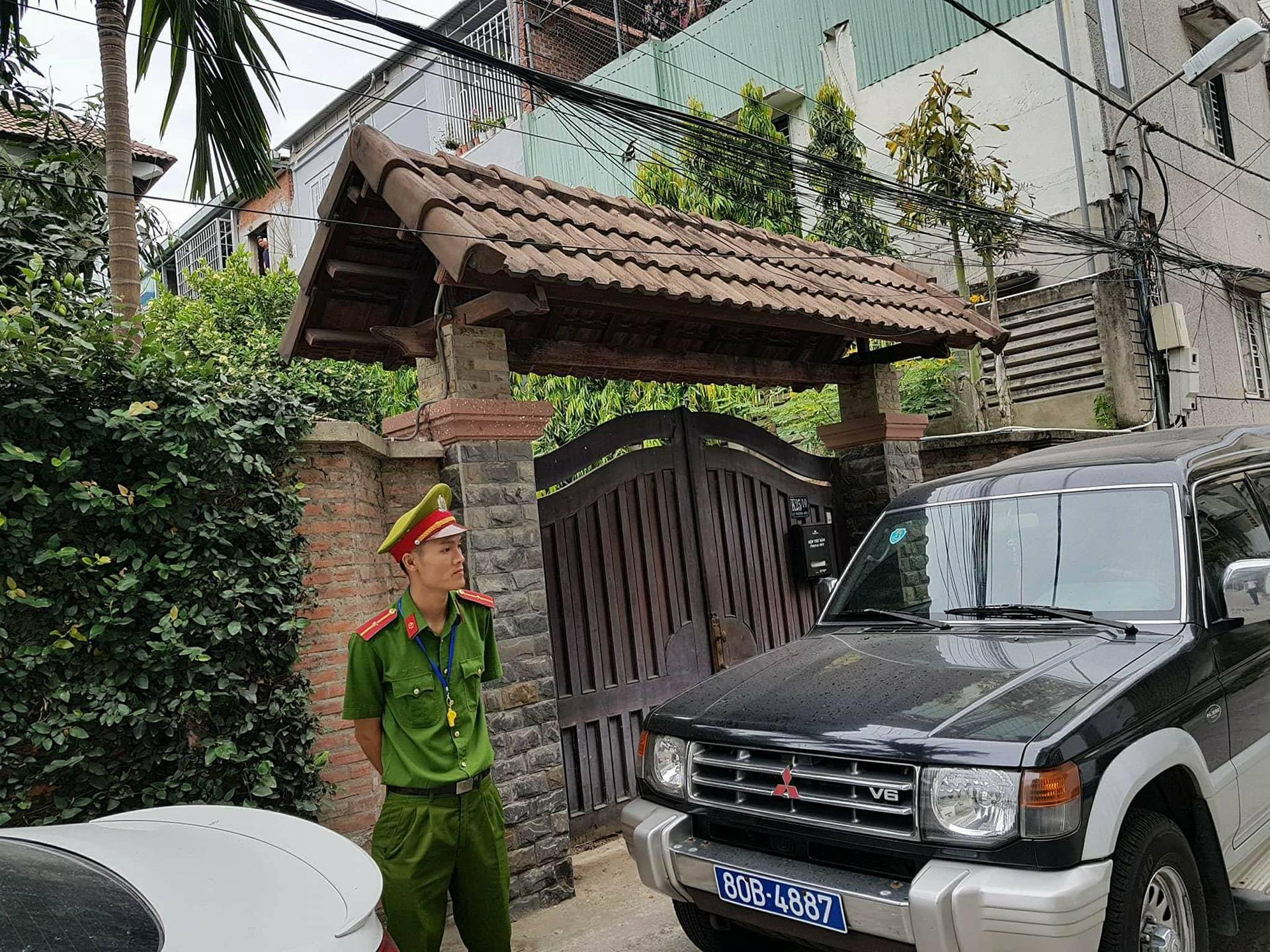 An ninh - Hình sự - Người trong cuộc hé lộ buổi khám nhà nguyên Chủ tịch Đà Nẵng Văn Hữu Chiến (Hình 2).
