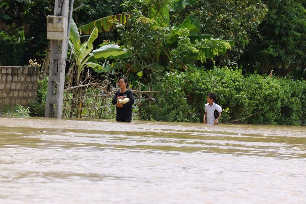 Tin nhanh - Cận cảnh gần 700 ngôi nhà ở Thanh Hóa bị lũ lụt nhấn chìm (Hình 6).