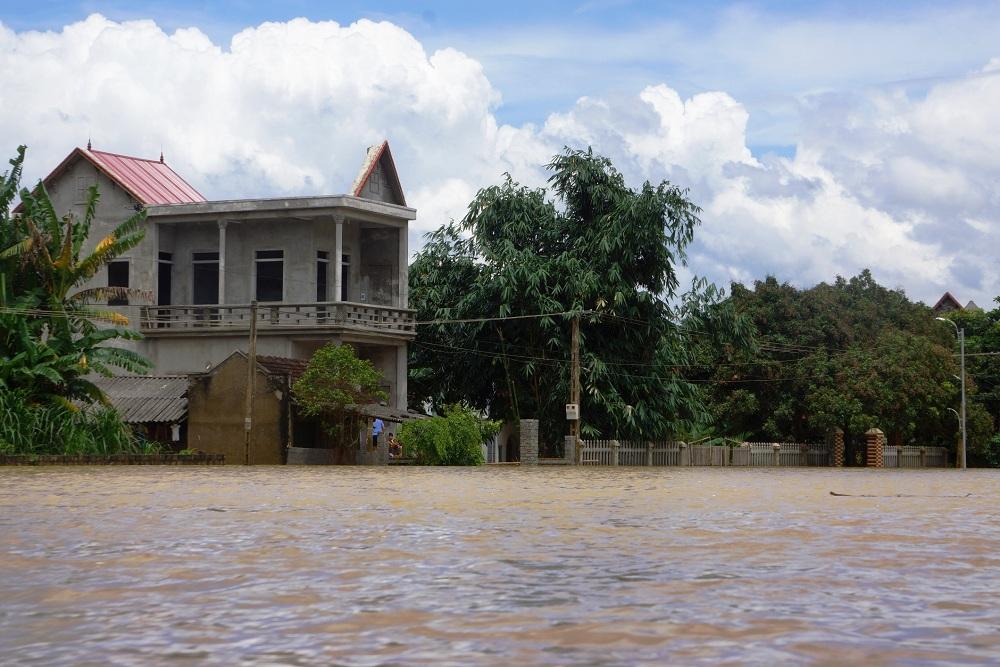 Tin nhanh - Cận cảnh gần 700 ngôi nhà ở Thanh Hóa bị lũ lụt nhấn chìm (Hình 7).