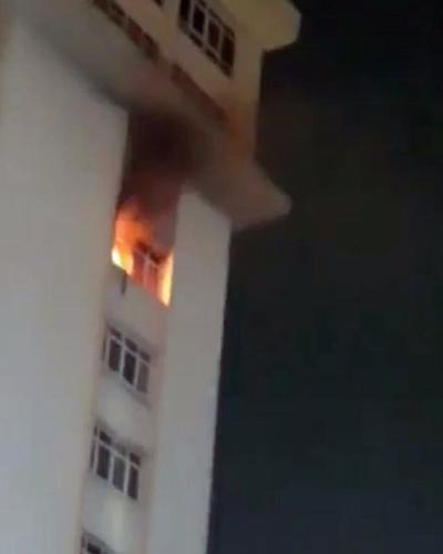 Cháy ở cao ốc Waseco Plaza Sài Gòn, nhiều người tháo chạy lúc nửa đêm