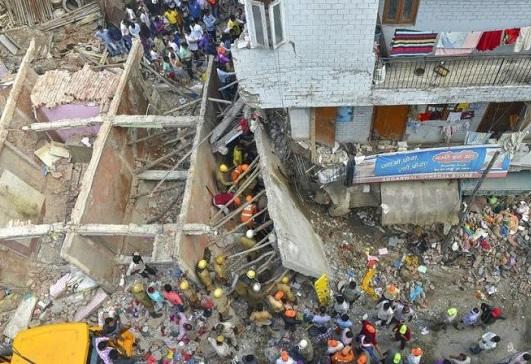 Tòa nhà 3 tầng tại Ấn Độ bất ngờ đổ sập, ít nhất 4 trẻ em thiệt mạng