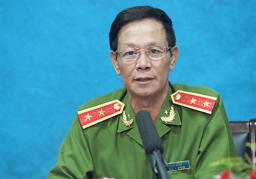 Vụ đánh bạc nghìn tỷ: Cựu trung tướng Phan Văn Vĩnh nhập viện trước phiên tòa sơ thẩm