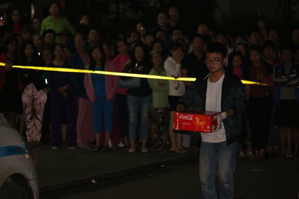Gia đình nhờ người chôn cất hộ bé sơ sinh nghi bị mẹ ném từ tầng 31 ở Linh Đàm