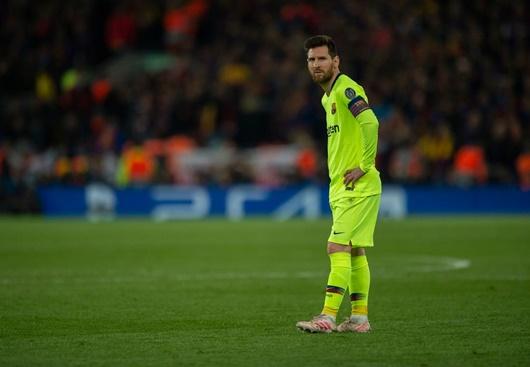 - Cầu thủ Barca bị