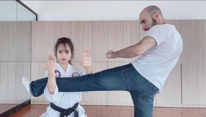 Nên duyên qua mạng nhờ võ thuật, nàng Việt-chàng Mỹ tổ chức ăn hỏi ngay trong lần đầu gặp mặt