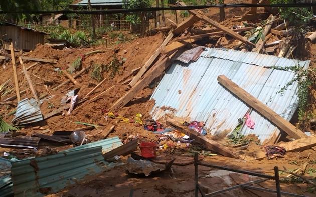 Vụ sạt lở đất ở Quảng Nam: Thầy cô động viên, giữ học sinh có người thân gặp nạn ở lại trường nội trú