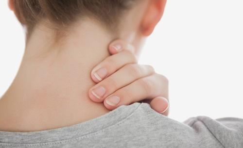 Tin tức đời sống ngày 12/4: Liệt nửa người vì thói quen bẻ cổ kêu răng rắc