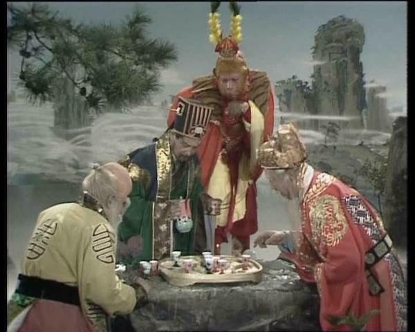 Tây Du Ký: Vì sao các vị thần tiên lại để Tôn Ngộ Không đại náo Thiên Cung dù phép thuật cao siêu hơn?