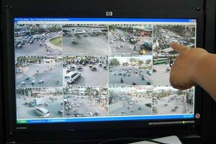 Xem lại hành trình vứt xác của bác sỹ Tường thông qua camera VOV giao thông trên các tuyến đường mà hung thủ đi (theo lời khai), có thể tìm ra nhiều manh mối mới.