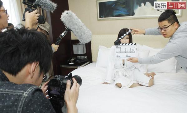 Một ngày làm việc của diễn viên phim sex Nhật Bản-5