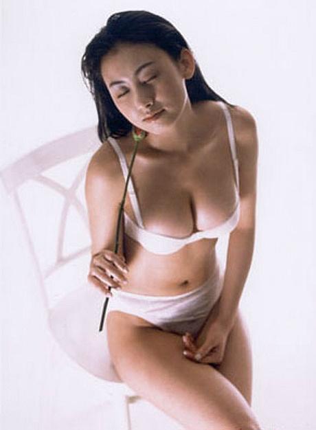 Á hậu Hàn Quốc bị phát tán ảnh khỏa thân