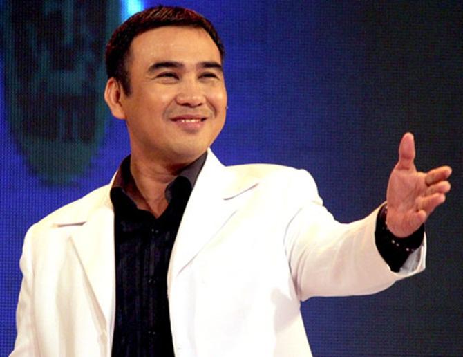 Những sao Việt từng chạy xe ôm, làm bồi bàn