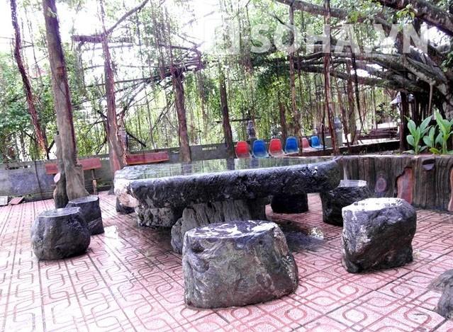Dinh thự của đại gia Trầm Bê: Tòa nhà xấu xí nhất Việt Nam? - Ảnh 6