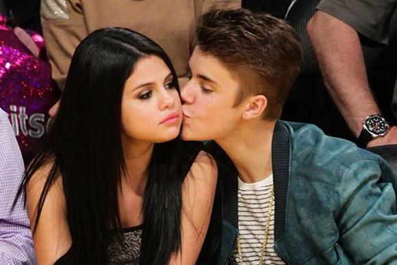 Sốt tin Selena Gomez mang song thai với Justin Bieber