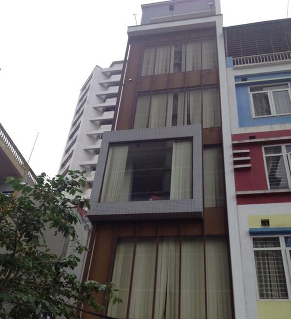 Hình ảnh Hà Nội: Nam thanh niên đâm chết bạn gái, rồi nhảy từ tầng 7 tự sát số 1