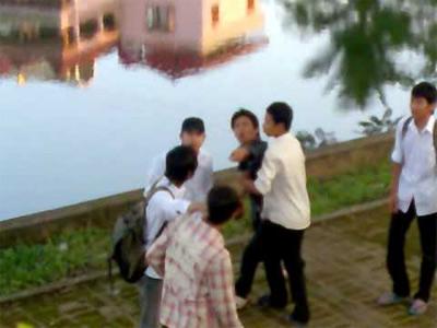 Nghệ An: Học sinh lớp 9 hỗn chiến, 1 em tử vong