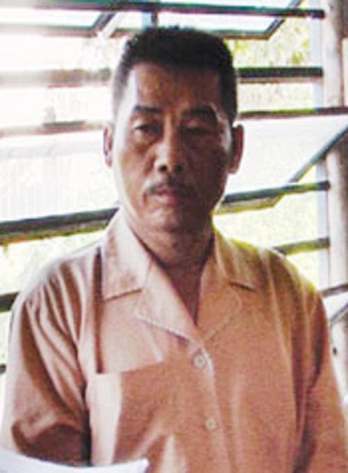 """Vụ án kỳ dị bố cầm dao đuổi chém cán bộ thuế vì thu tiền thuế """"chui"""" của con trai"""