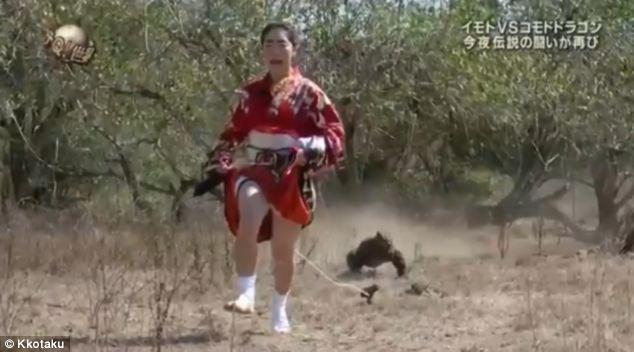 Cô gái xả thân làm mồi nhử rồng ăn thịt Komodo 1