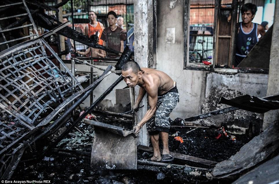 Phillipines: Một ngọn nến thiêu rụi hàng nghìn ngôi nhà