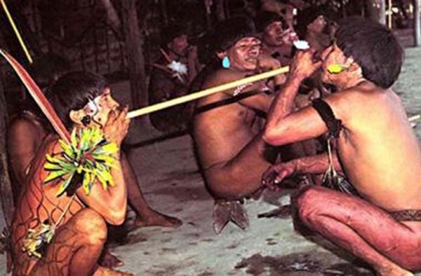 Những nghi thức truyền thống ghê rợn nhất hành tinh