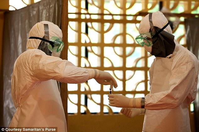 Vacxin Ebola sẽ được thử nghiệm trên người vào tháng 9