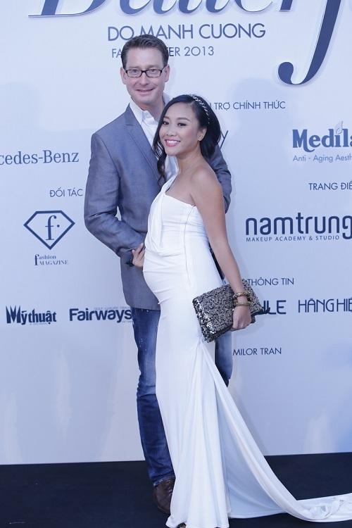 Đoan Trang vác bụng bầu 5 tháng đi xem thời trang-1