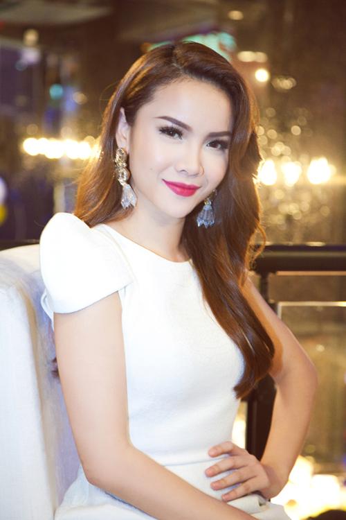 Yen Trang Nude Photos 2