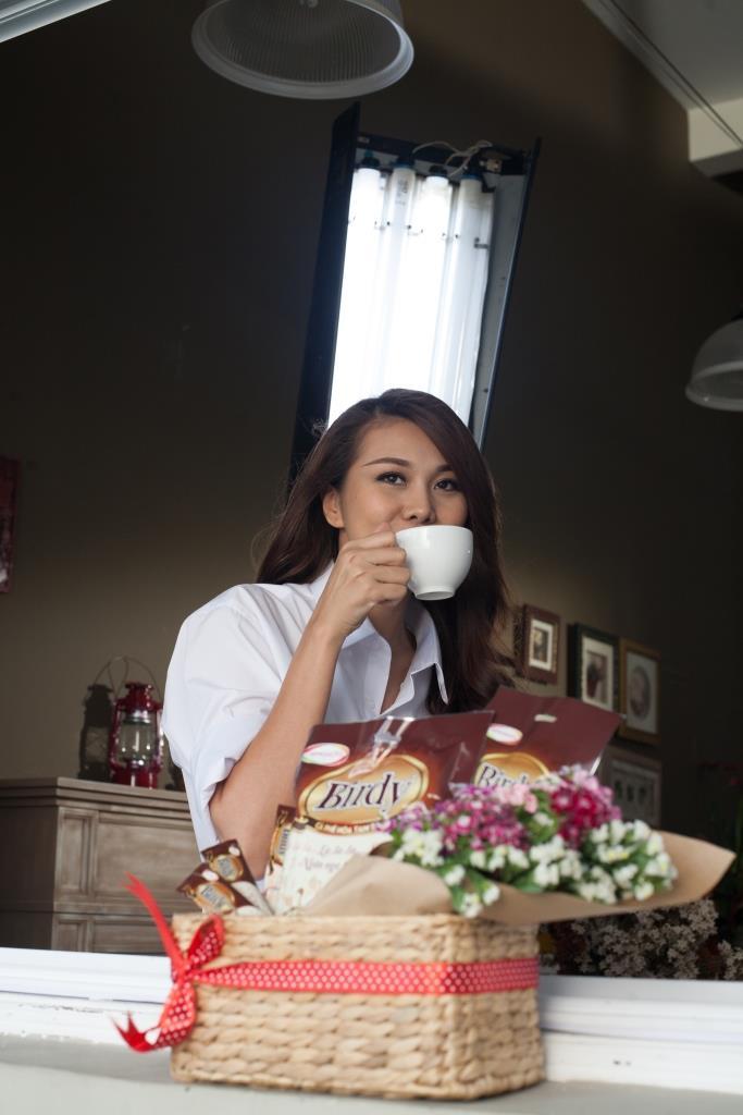 Siêu mẫu Thanh Hằng quay MV quảng cáo cà phê?