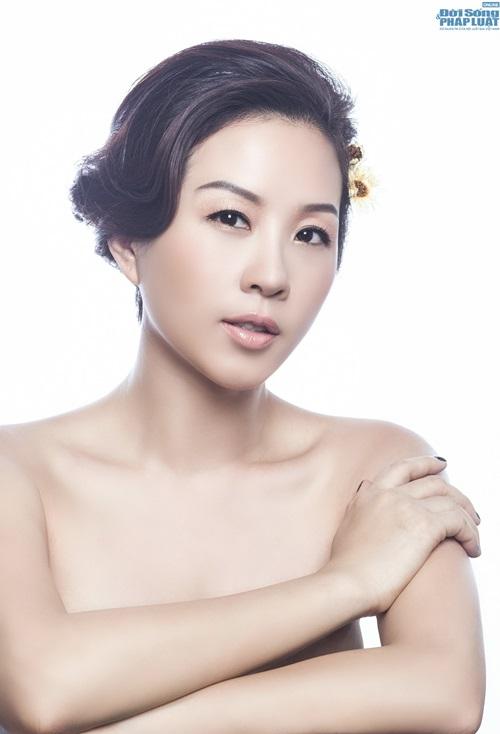 Tin tức ngôi sao: Hoa hậu Thu Hoài e ấp chụp ảnh bán nude