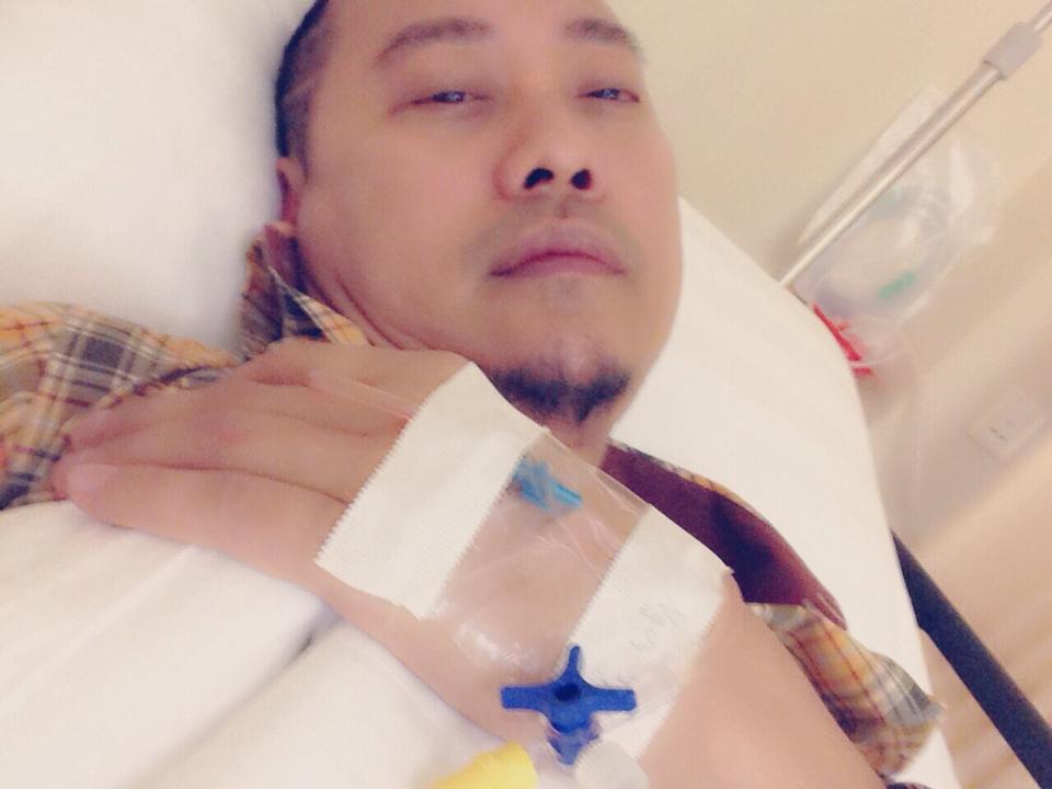 Võ Việt Chung nhập viện vì bị giật túi, mất 300 triệu