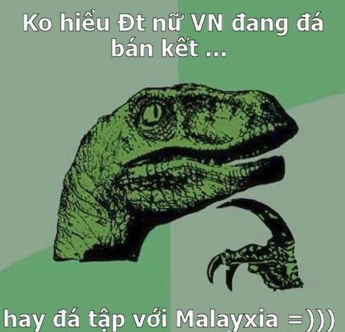 Cộng đồng mạng mê tít ảnh chế U23 Việt Nam muối mặt nhìn đàn chị đá bóng