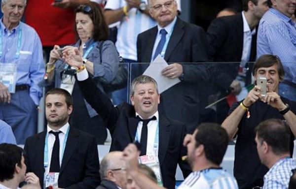 Tin tức World Cup 2014: HLV Costa Rica khiếp vía Robben