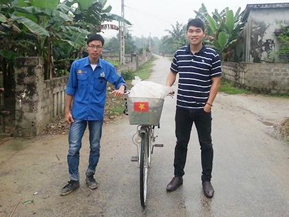 Một mình đạp xe