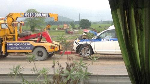 Vụ xe CSGT Hà Nội gặp tai nạn thảm khốc do mất lái