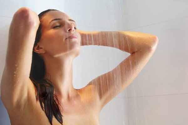 """Tắm gội sai cách có thể """"rước họa"""" vào thân"""