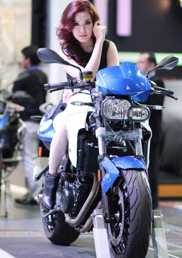 bangkok-motor-show-2014-nguoi-mau-02