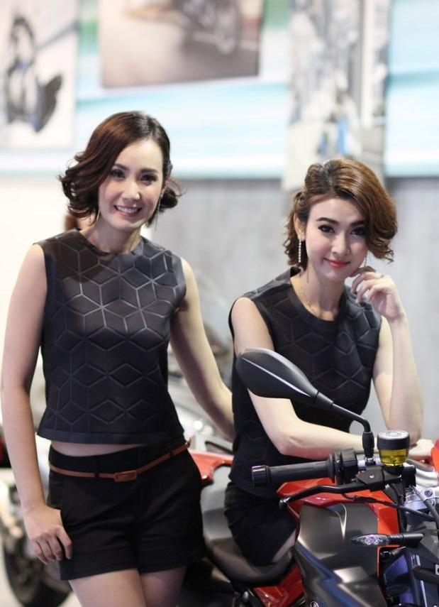 bangkok-motor-show-2014-nguoi-mau-04