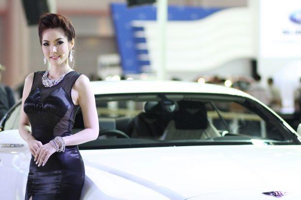bangkok-motor-show-2014-nguoi-mau-05