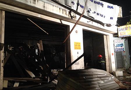 Chùm ảnh toàn cảnh vụ nổ lớn kinh hoàng ở TP.HCM
